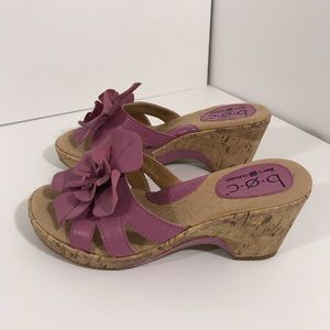 B.O.C. Born Concept Sandals Wedges Sz 6.5 Lavender